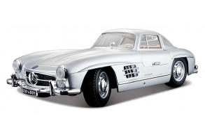 Bburago Plus - Модел на кола Mercedes-Benz 300SL 1/18