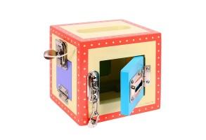 Дървена кутия с различни по трудност заключалки